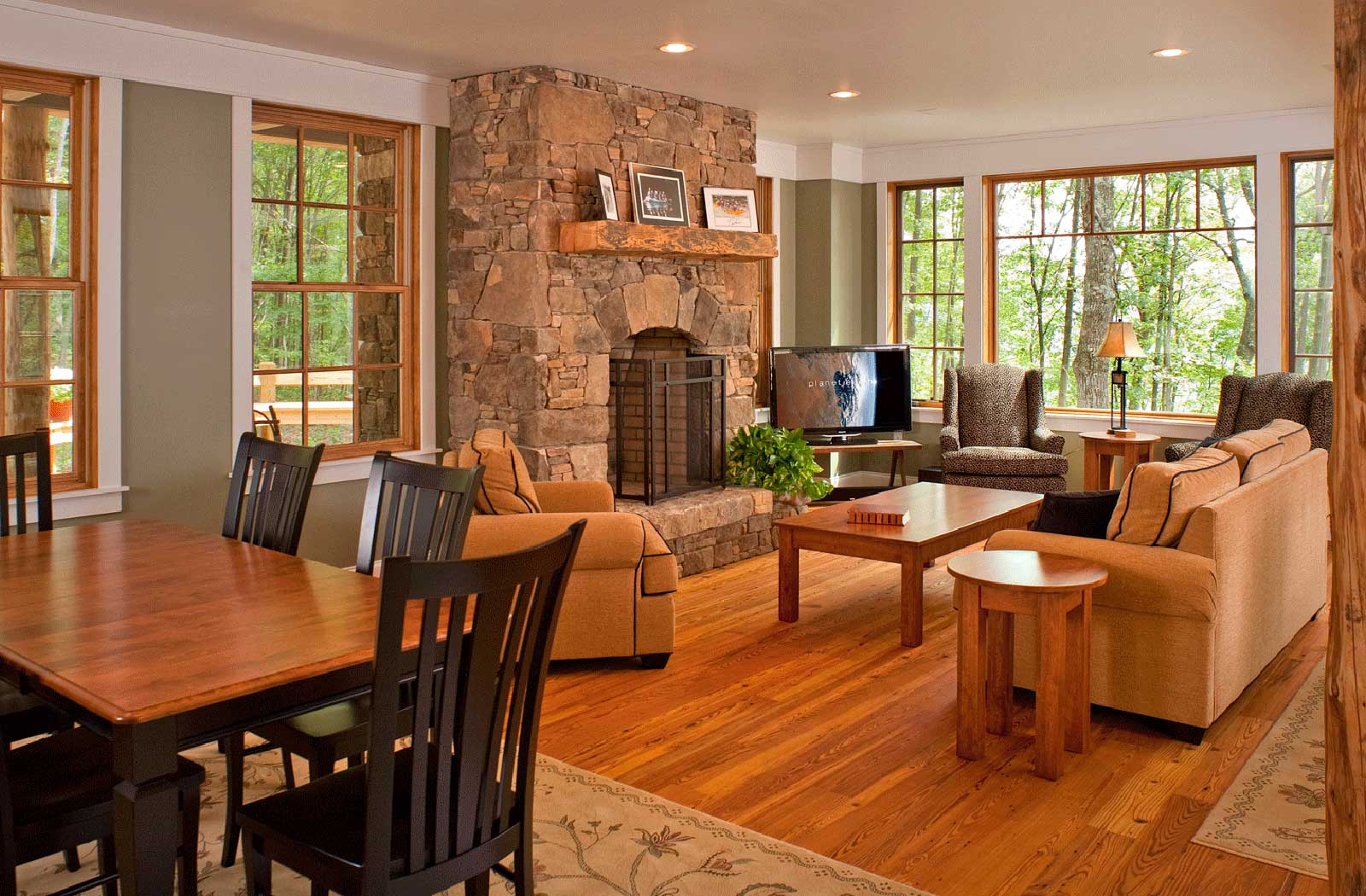 Luxury Vacation Rental On The Rim Of The New River Gorge